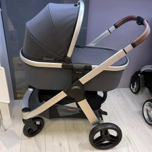 Raffi Travel System with maxi cosi cabriofix carseat- ex display